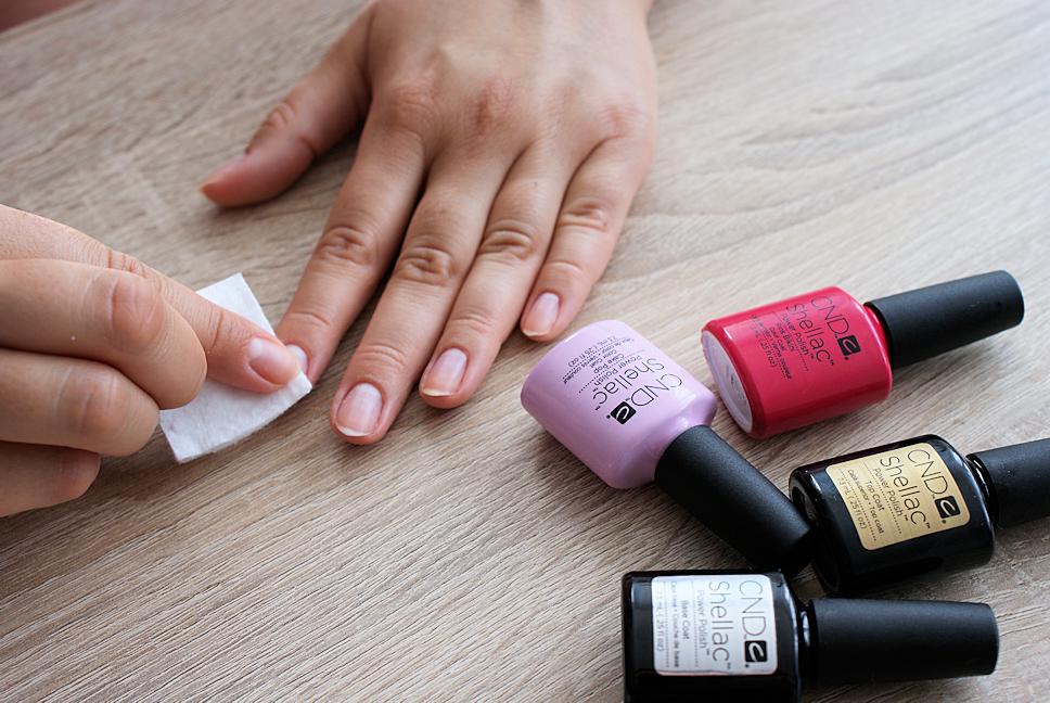 manicure-hybrydowy-krok5-odtluszczanie2