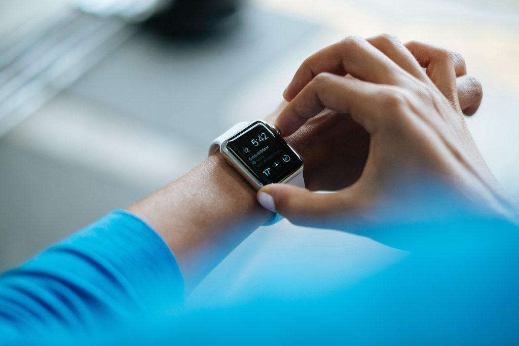 dzien-chlopaka-smartwatch