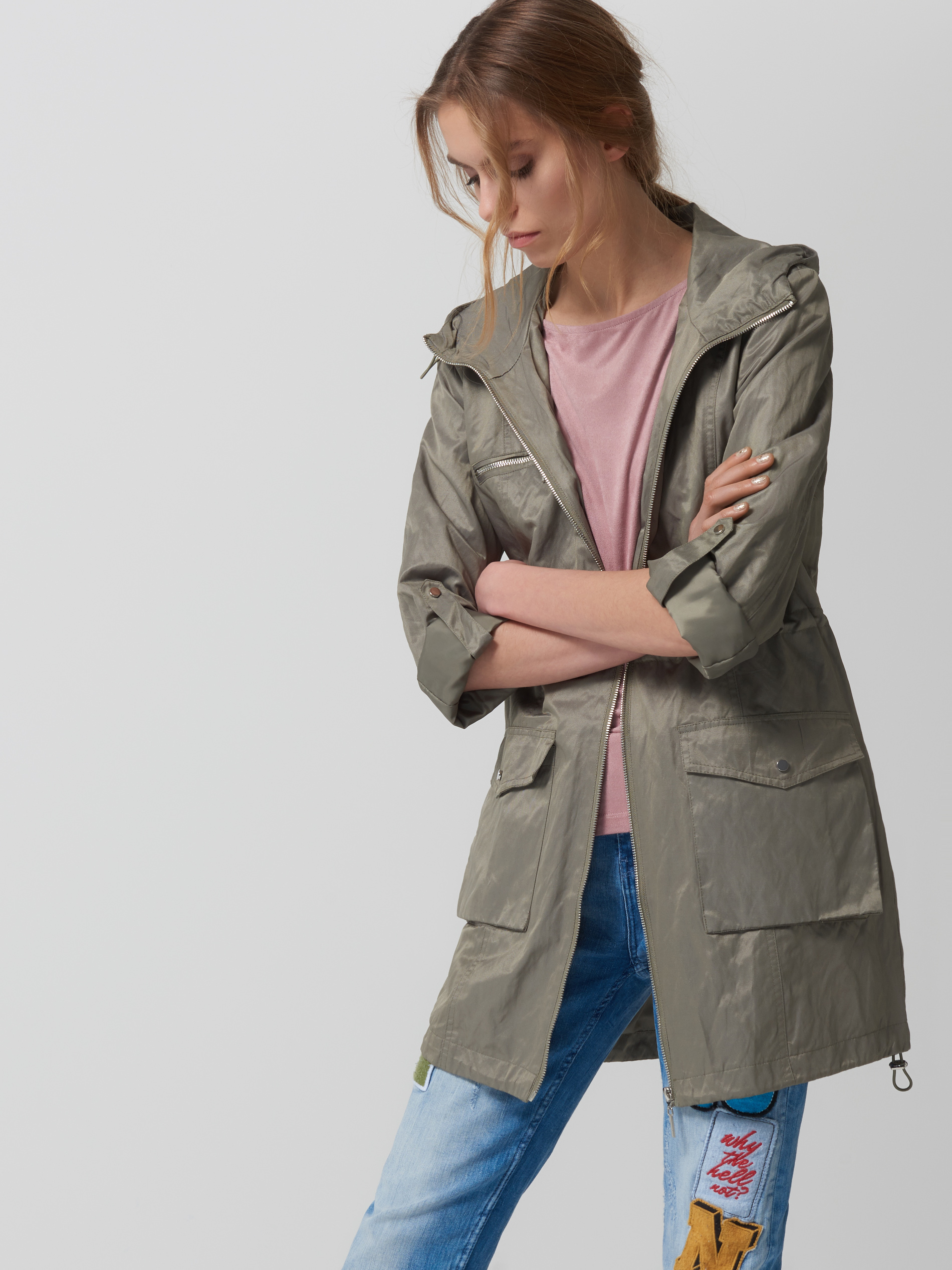 4c3f9729f80dc W końcu pikowana ciemna kurtka nigdy nie wychodzi z mody i z pewnością  będzie Ci służyła nawet przez kilka sezonów. mohito.com