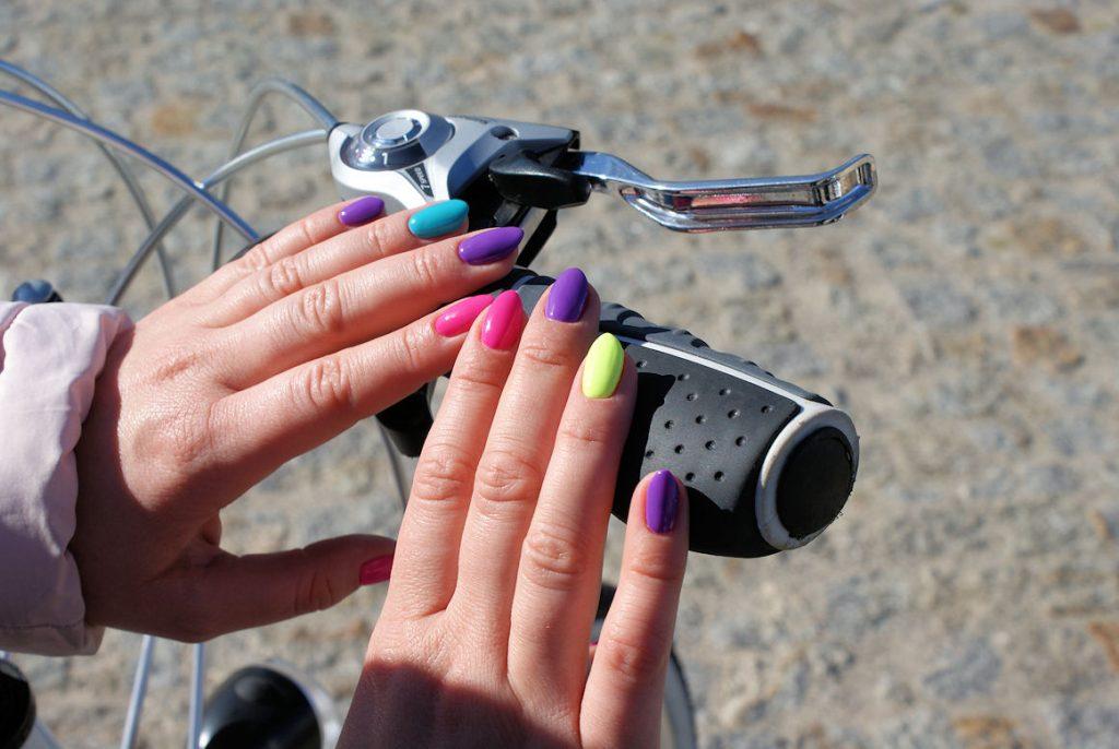 kolorowe manicure