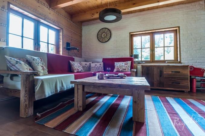 Bia a ceg a na cianie mieszkania inspiracje modowe for Biala cegla w salonie