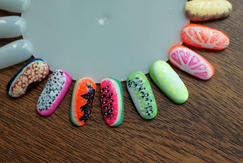 owocowe wzorki na paznokciach