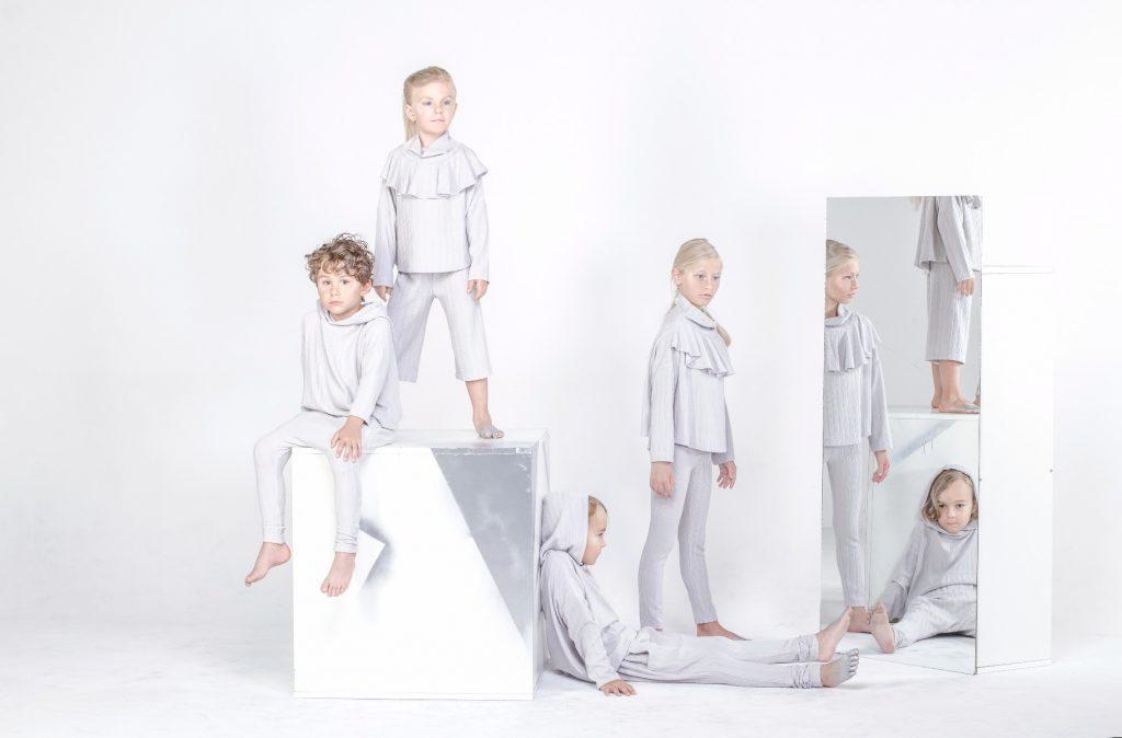 a490abfb50222b Modna odzież od projektantów nie jest już zarezerwowana tylko dla dorosłych  – rodzice coraz częściej kupują urocze, designerskie ubrania dla swych  pociech.