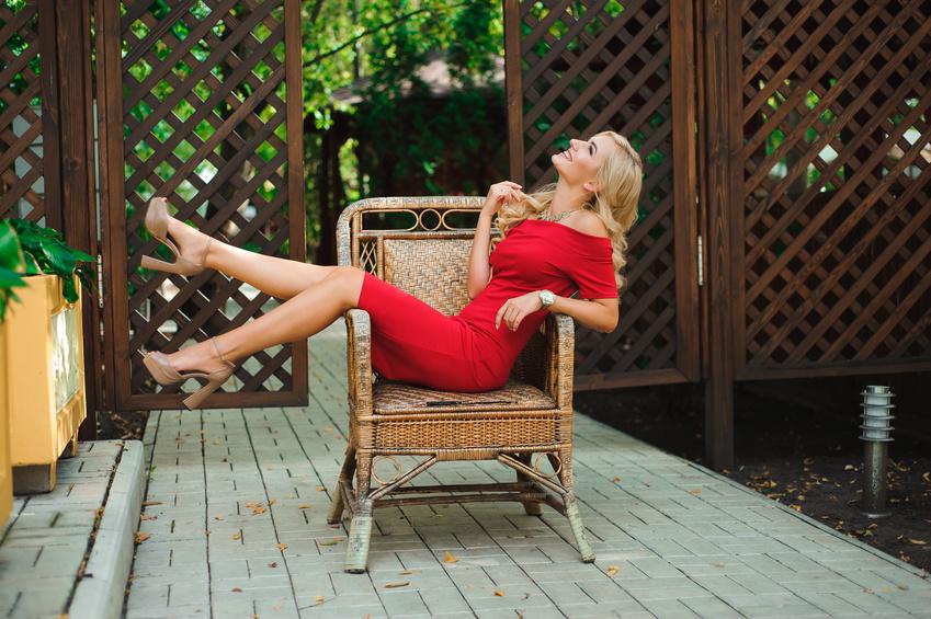 43208b104b5e4 Czerwona sukienka to prawdziwy klasyk. Nie jest może tak popularna