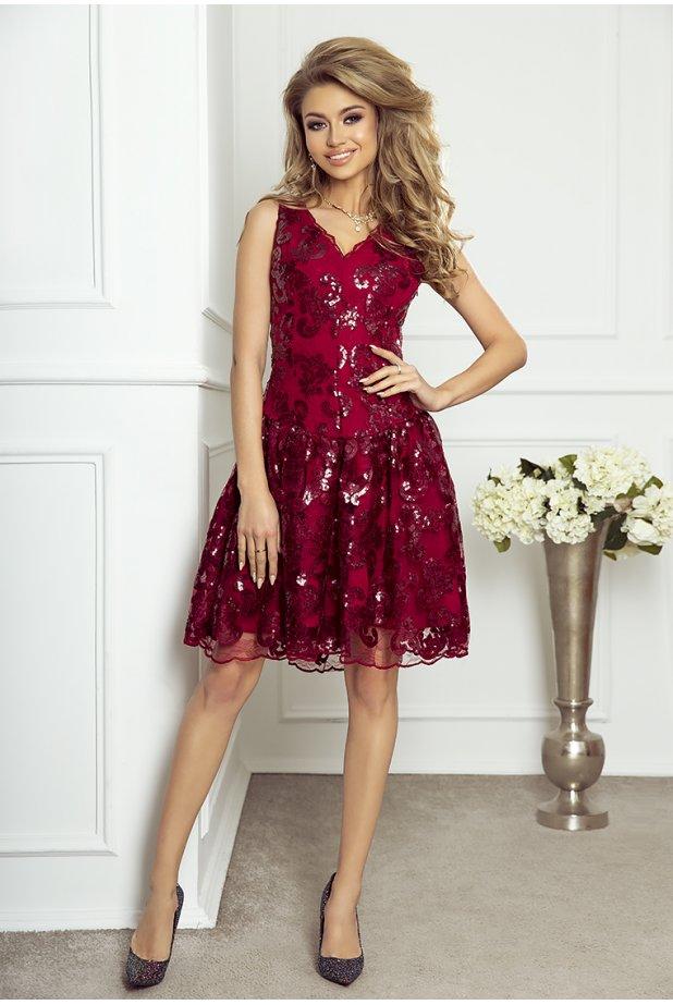 6a96de6e7e Zwykle podczas poszukiwania sukienki imprezowej wybieramy określone kolory  według własnych upodobań albo też opieramy się na obowiązujących trendach.