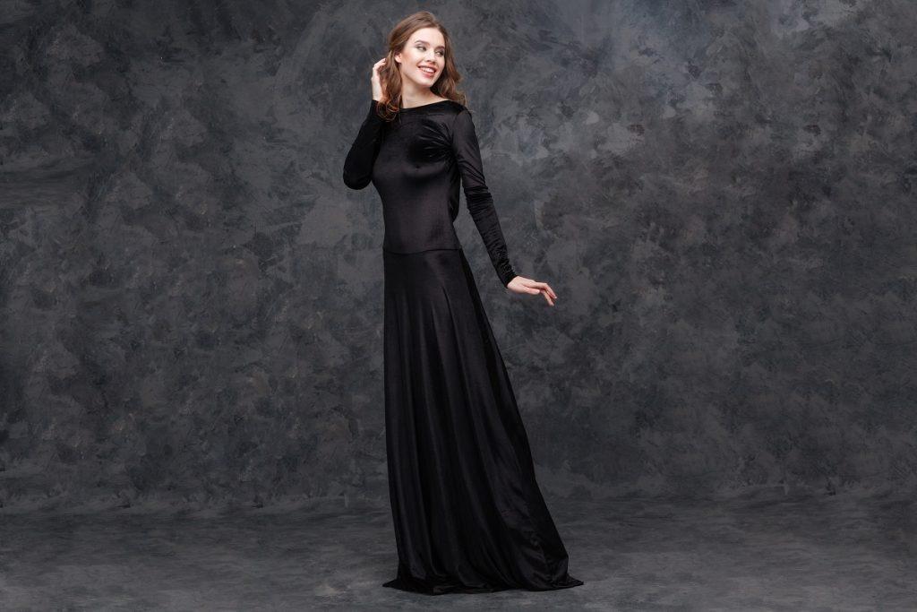 5aa191ca52 Sukienka wieczorowa to obowiązkowa pozycja w szafie każdej kobiety. Ta  część garderoby przeznaczona jest jedynie na wyjątkowe okazje.
