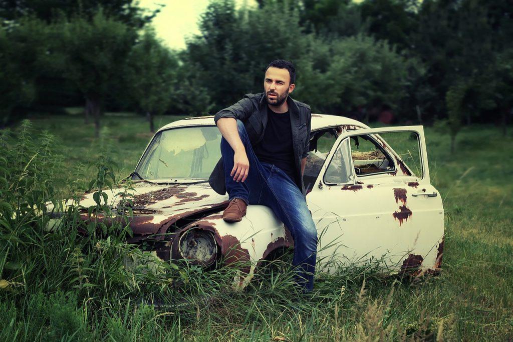 prezenty-na-dzien-chlopaka-stary-samochod