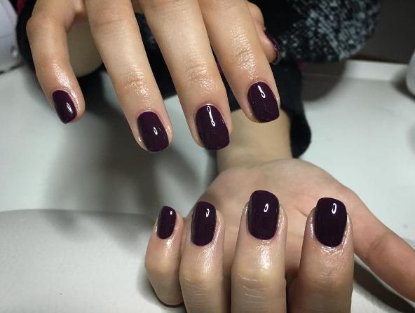 sliwkowe-paznokcie-5