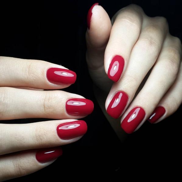 czerwone-paznokcie-1