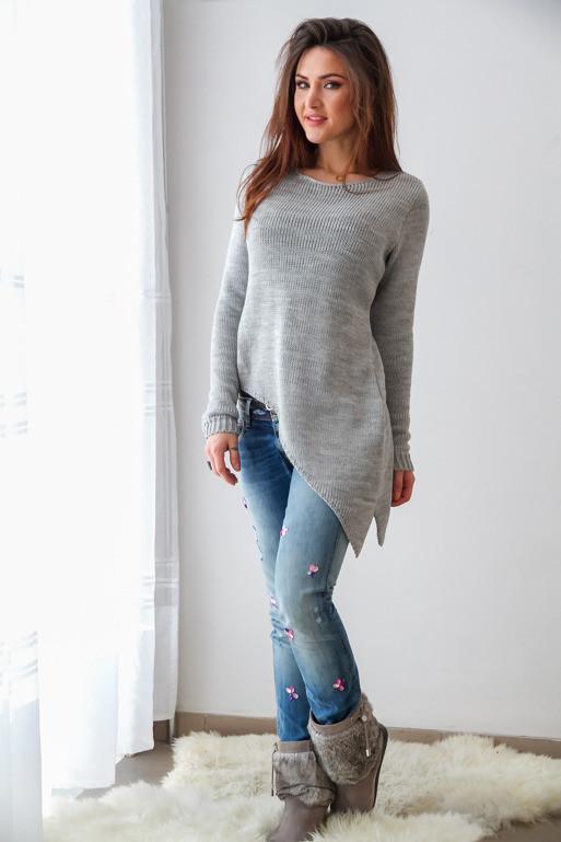 szary-asymetryczny-sweter