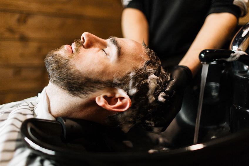 zadbane męskie włosy