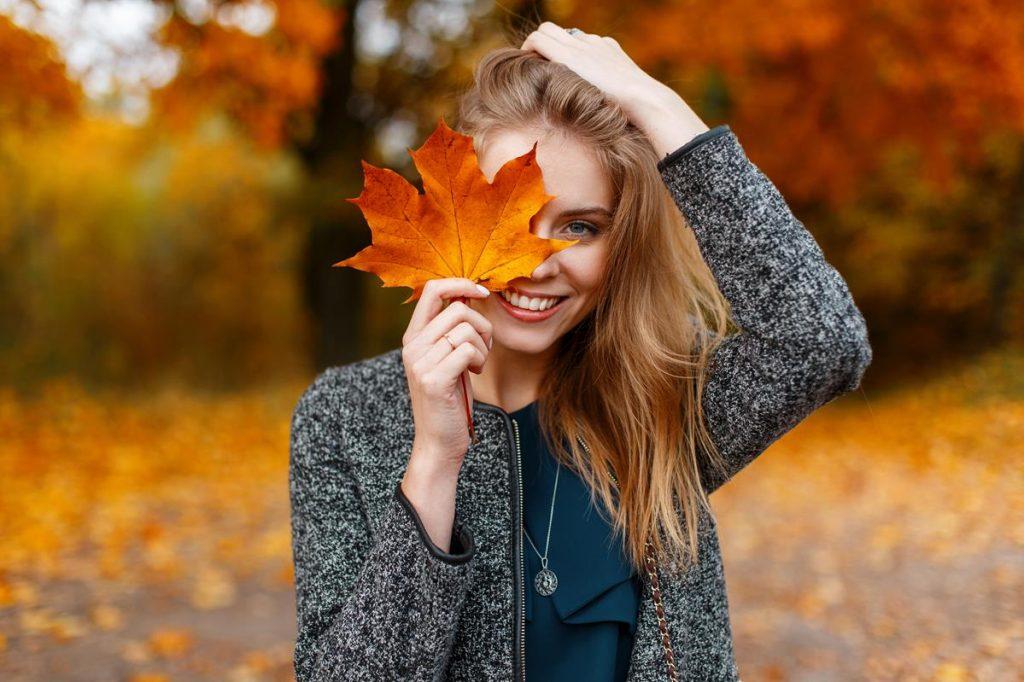 Elegancka, romantyczna czy sportowa? Jaką sukienkę na jesień wybierasz?