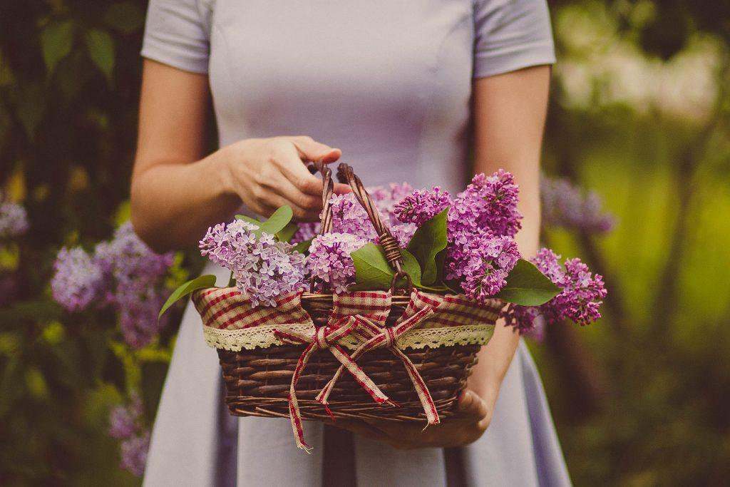 Najmodniejsze sukienki na wiosnę 2021! | Inspiracje modowe :: blog modowy -  modoweinspiracje.pl